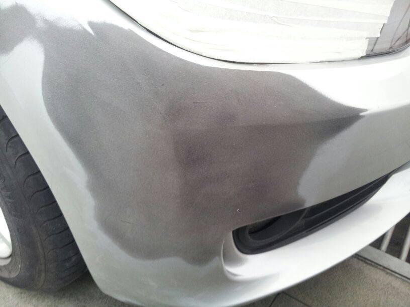 Reparación de paragolpes de un BMW