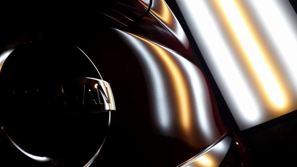 Reparación de bollos de un Nissan Sentra